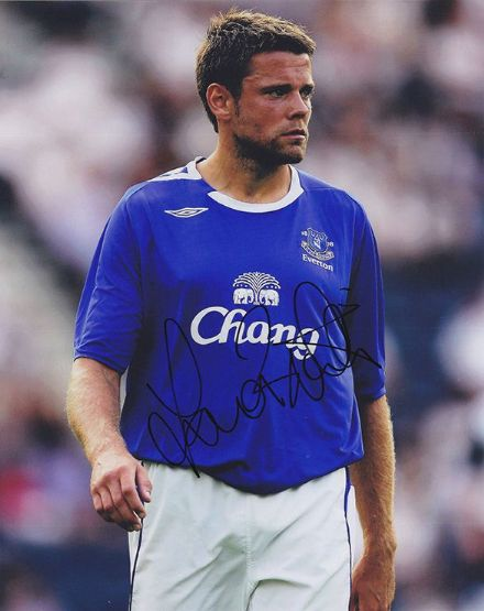 James Beattie, Everton & England, signed 10x8 inch photo.